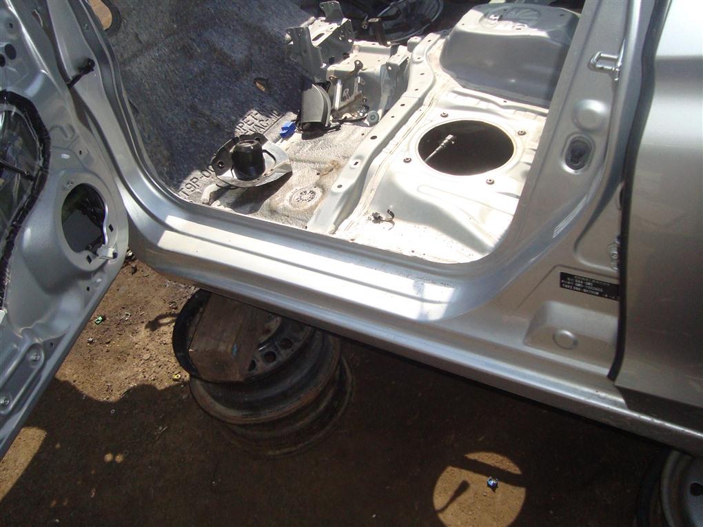 Порог кузова Honda Grace GM5 LEB 2015 левый серебро nh700m 1379