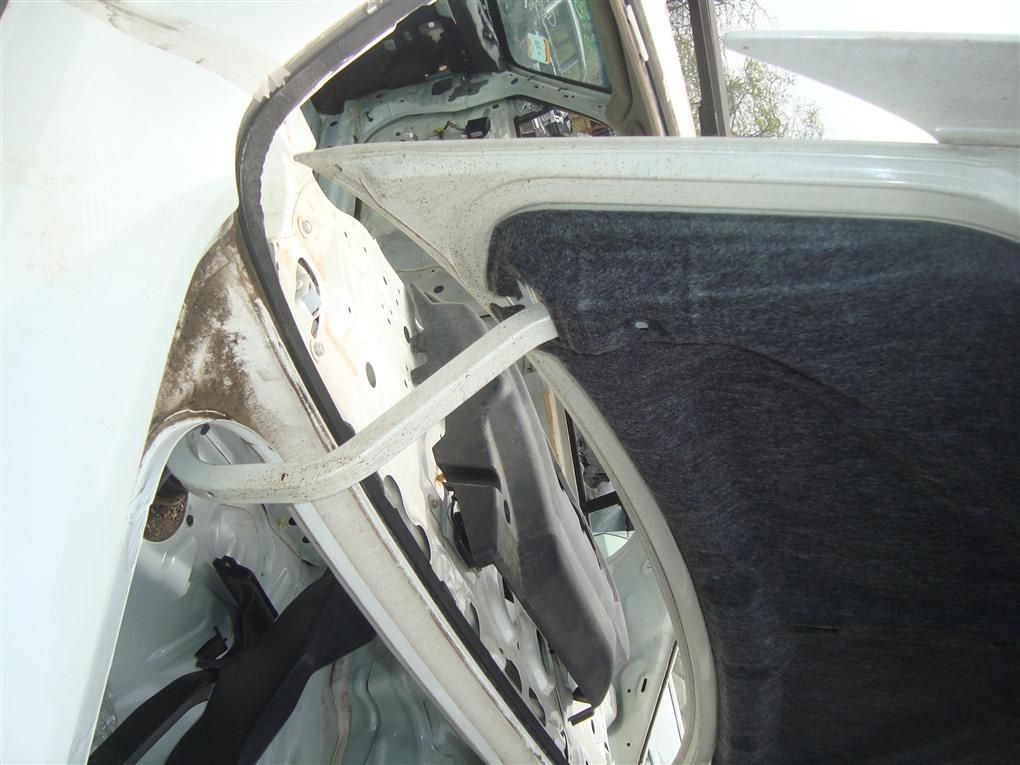 Петля крышки багажника Honda Inspire UA5 J32A 2003 белый nh603p 1392
