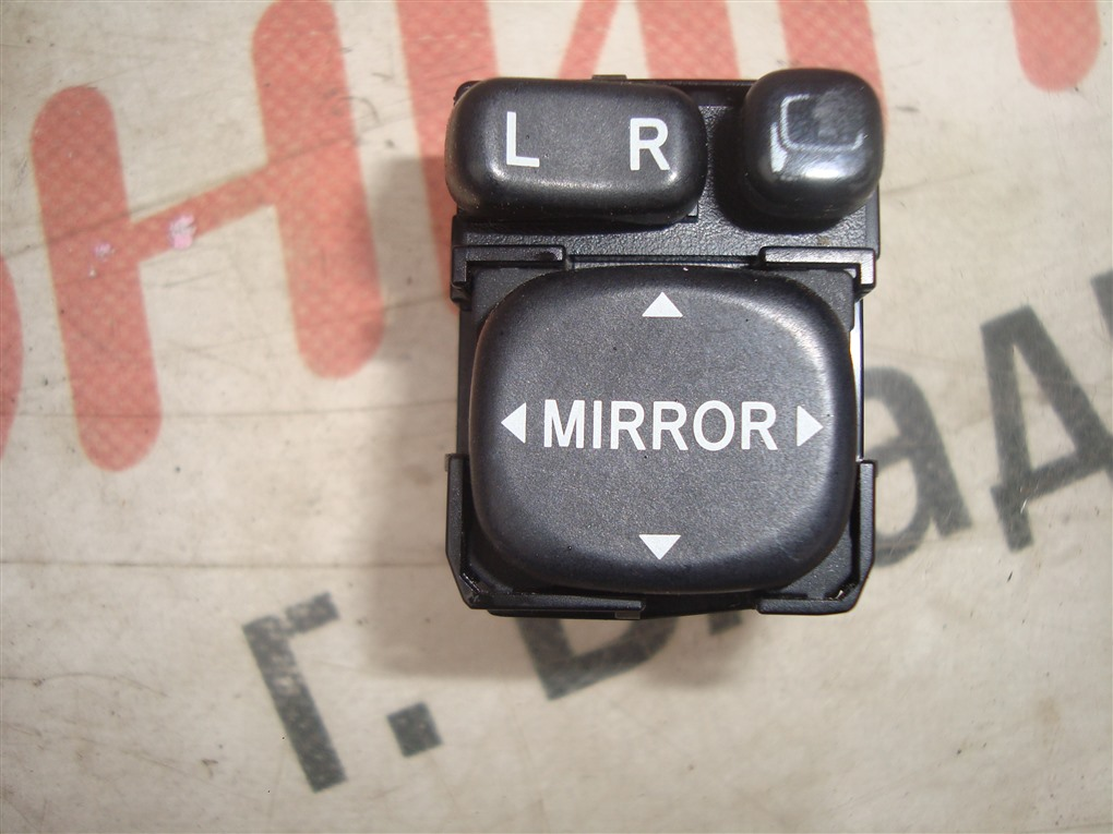 Кнопка Toyota Allion ZRT265 2ZR-FAE 2010 1399