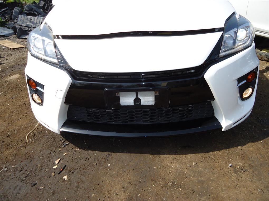 Бампер Toyota Prius ZVW30 2ZR-FXE 2012 передний белый 070 1403