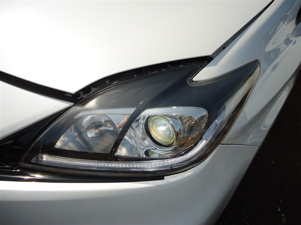 Фара Toyota Prius ZVW30 2ZR-FXE 2012 левая 4752 1403