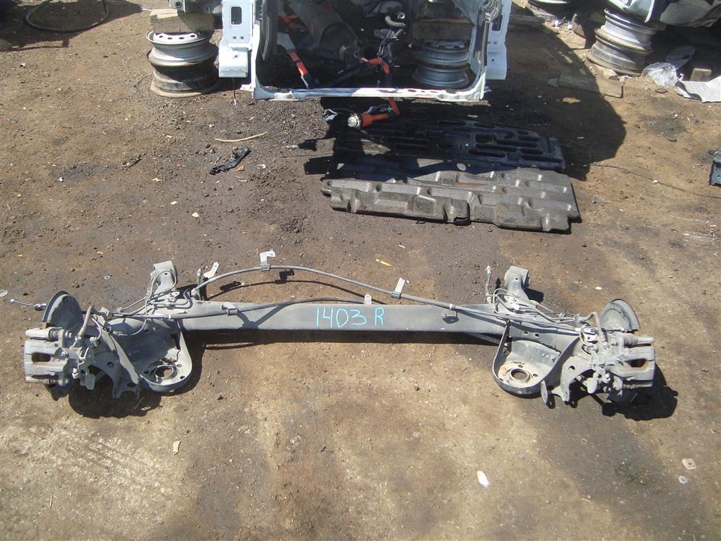 Балка подвески Toyota Prius ZVW30 2ZR-FXE 2012 задняя 1403