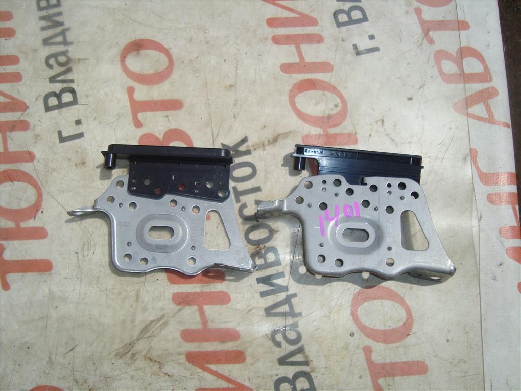 Крепление магнитофона Toyota Vitz NCP91 1NZ-FE 2010 1401