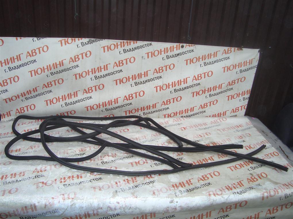 Уплотнительная резинка дверей Honda Inspire UA5 J32A 2002 1400