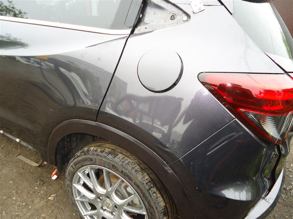 Крыло Honda Vezel RU3 LEB 2014 заднее левое черный nh821m (pink black) 1406