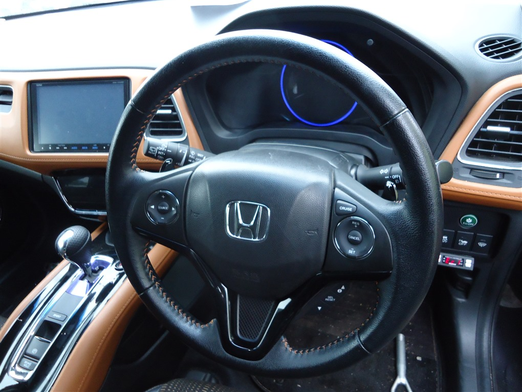 Руль Honda Vezel RU3 LEB 2014 1406