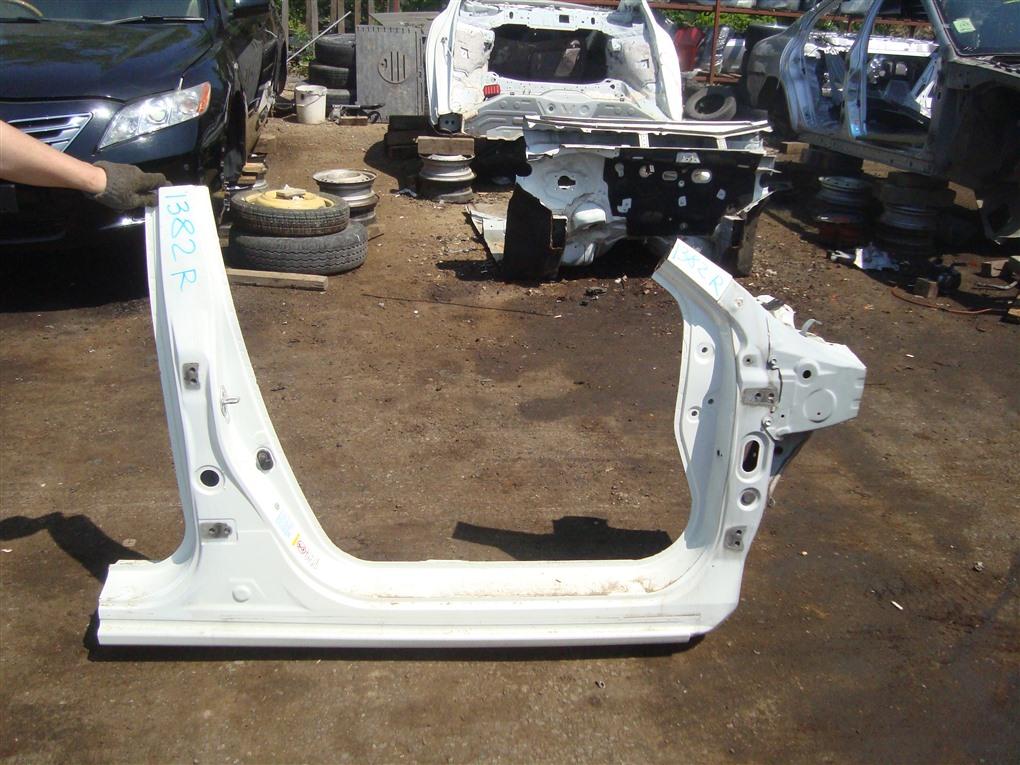 Порог Honda Accord CR6 LFA 2014 правый 1382