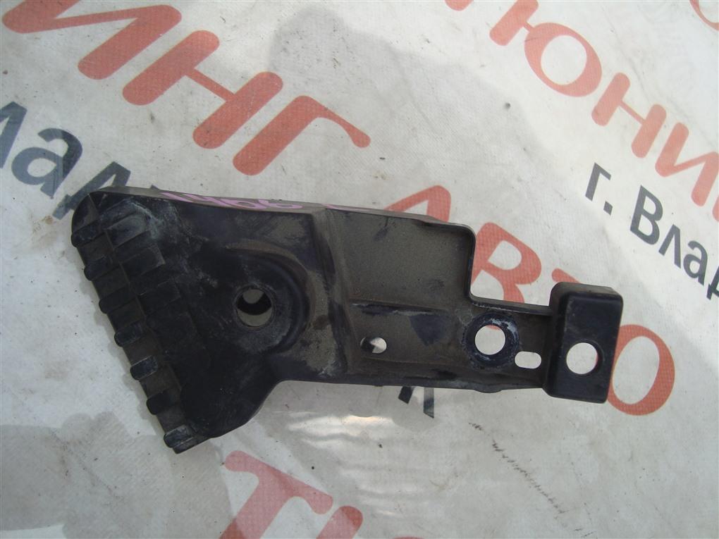 Крепление решетки Honda Vezel RU3 LEB 2014 левое 1406