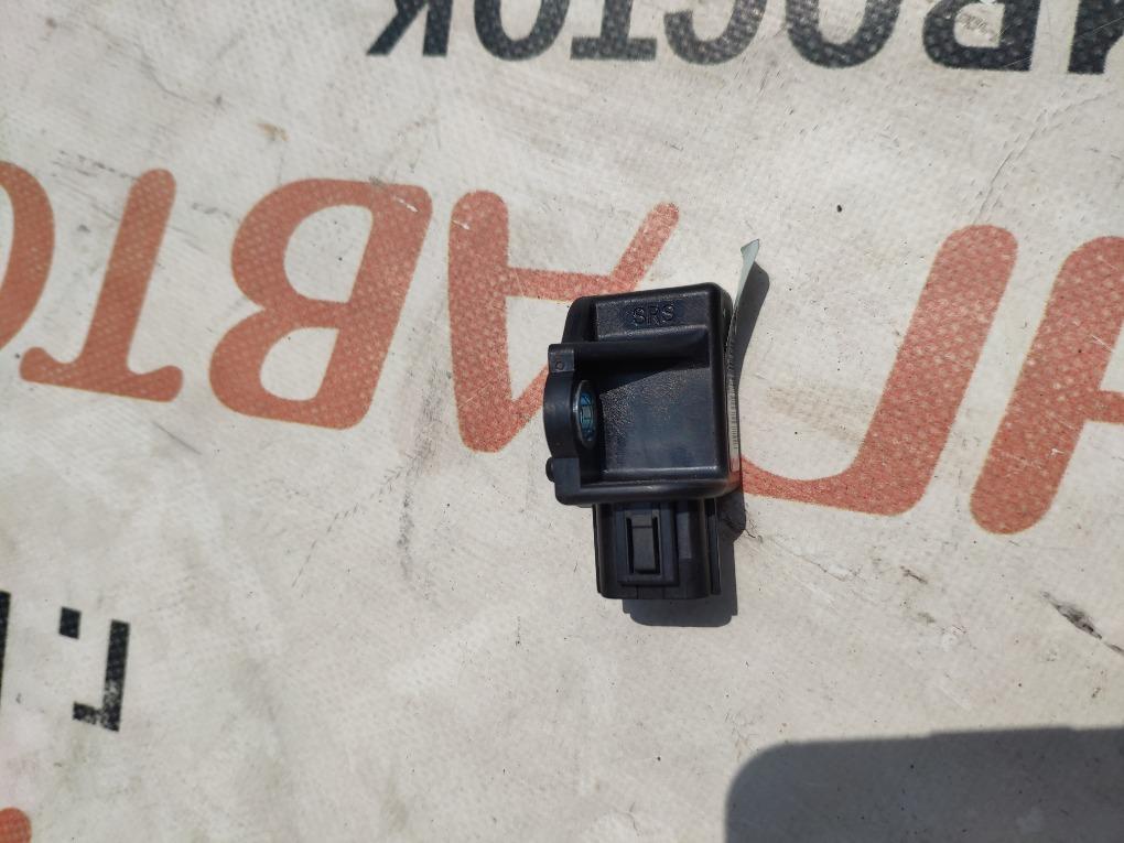 Датчик airbag Honda Vezel RU3 LEB 2014 77970-t6a-j110-m2 1406