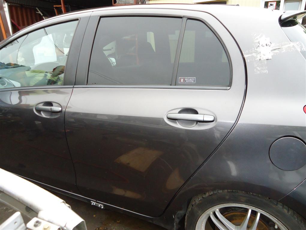 Дверь Toyota Vitz NCP91 1NZ-FE 2008 задняя левая серый 1g3 1404