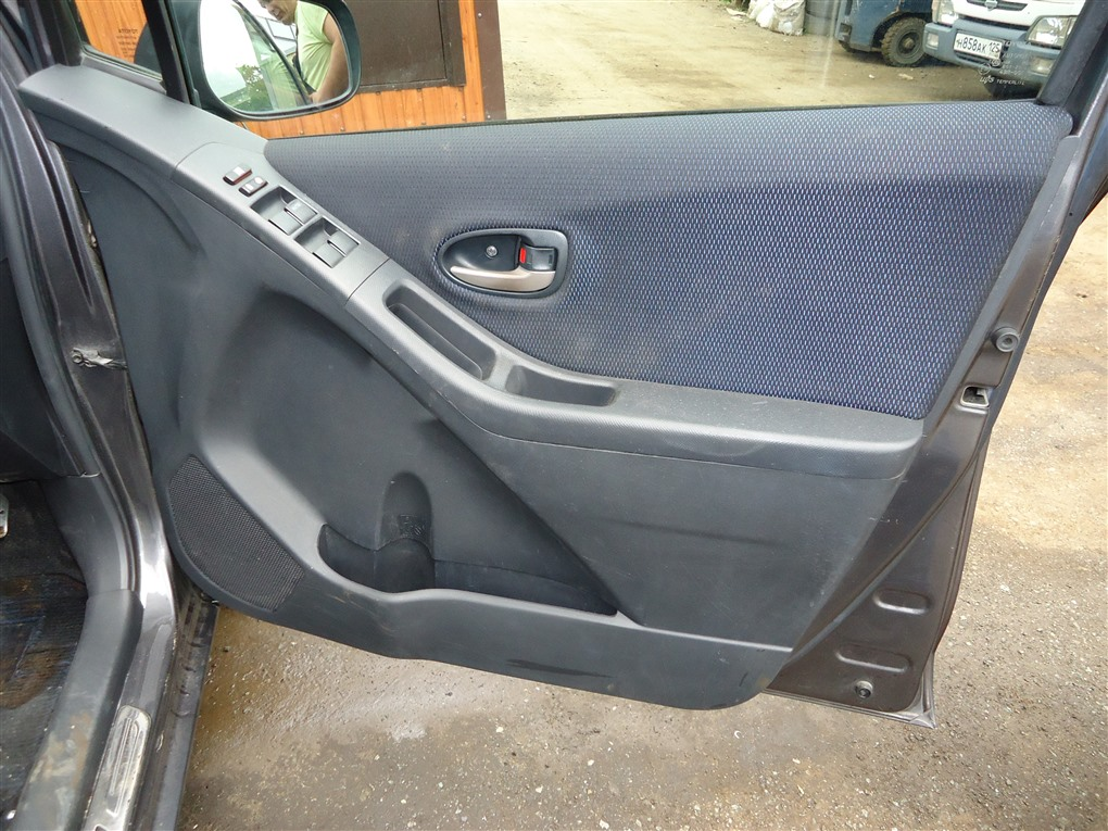 Обшивка дверей Toyota Vitz NCP91 1NZ-FE 2008 1404