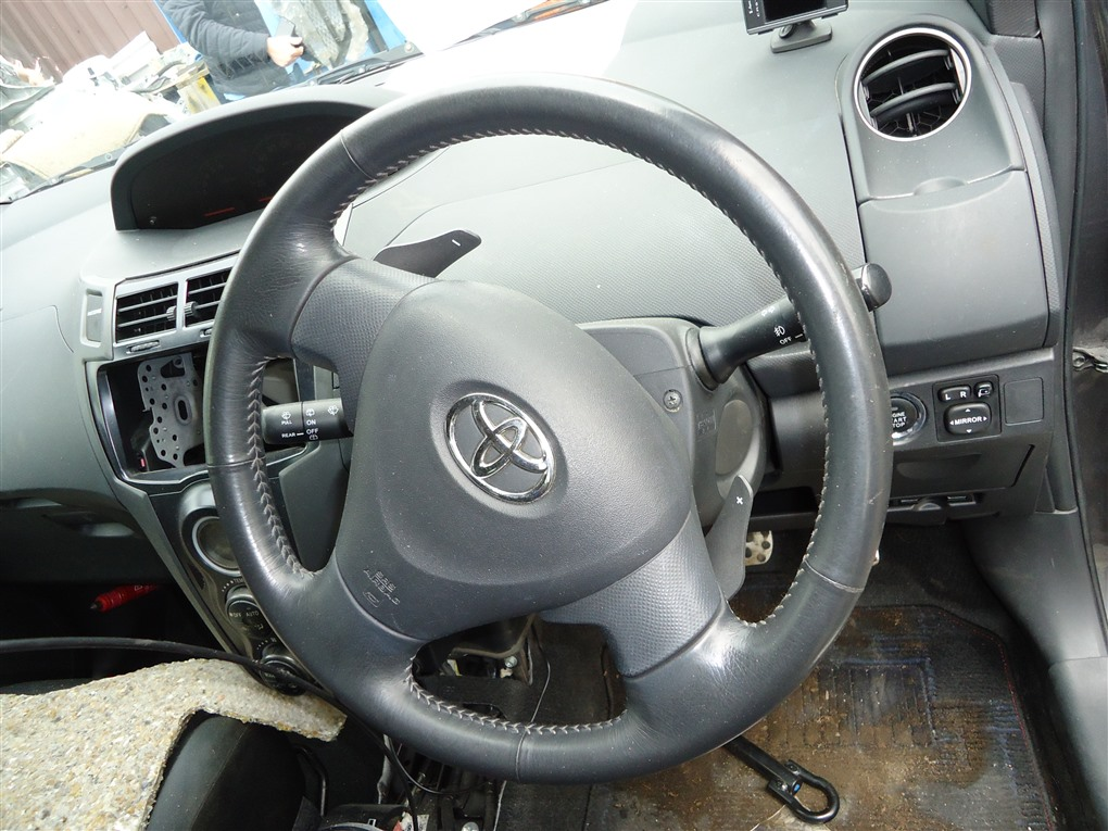Airbag на руль Toyota Vitz NCP91 1NZ-FE 2008 1404