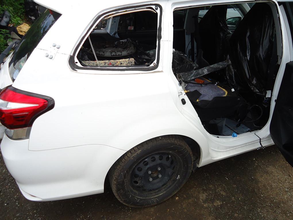 Крыло Toyota Corolla Fielder NKE165 1NZ-FXE 2016 заднее правое белый 040 1410