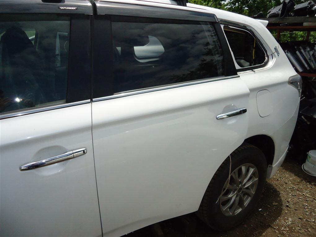 Дверь Mitsubishi Outlander GF8W 4J12 2013 задняя левая белый перламутр w13 1408