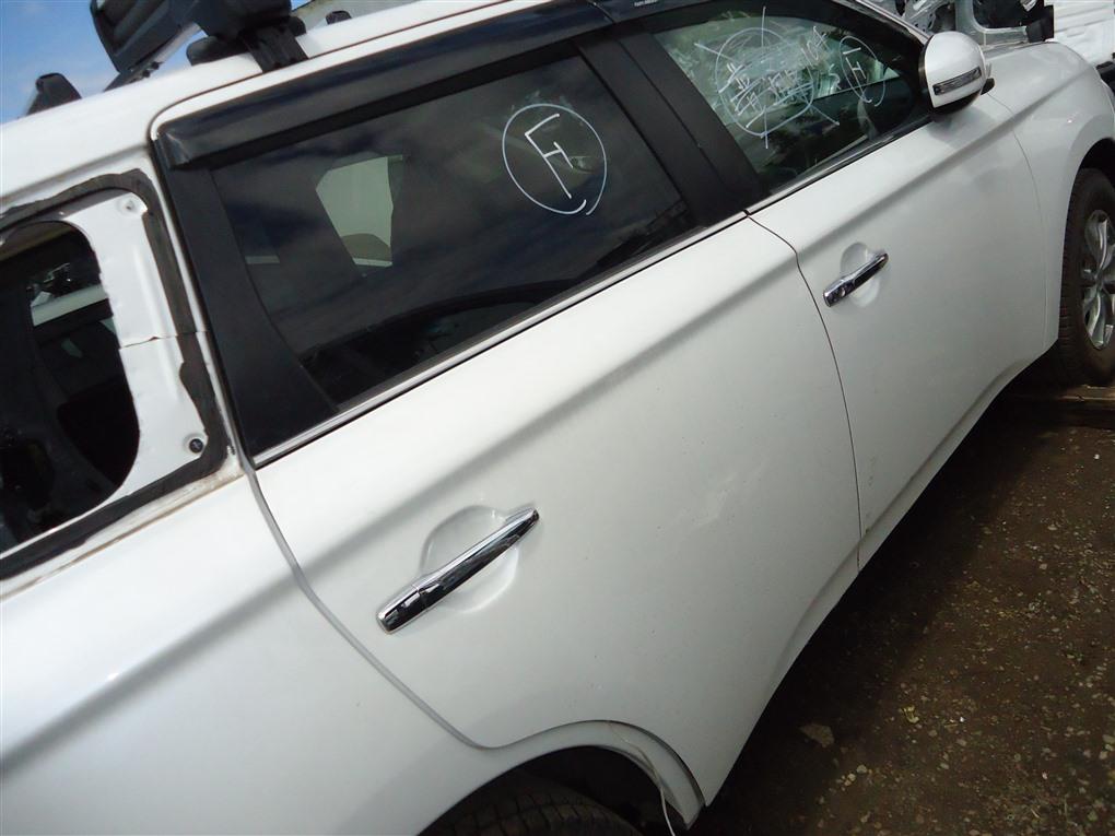 Дверь Mitsubishi Outlander GF8W 4J12 2013 задняя правая белый перламутр w13 1408
