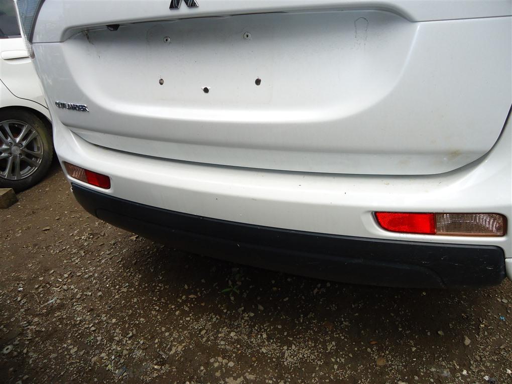 Бампер Mitsubishi Outlander GF8W 4J12 2013 задний белый перламутр w13 1408