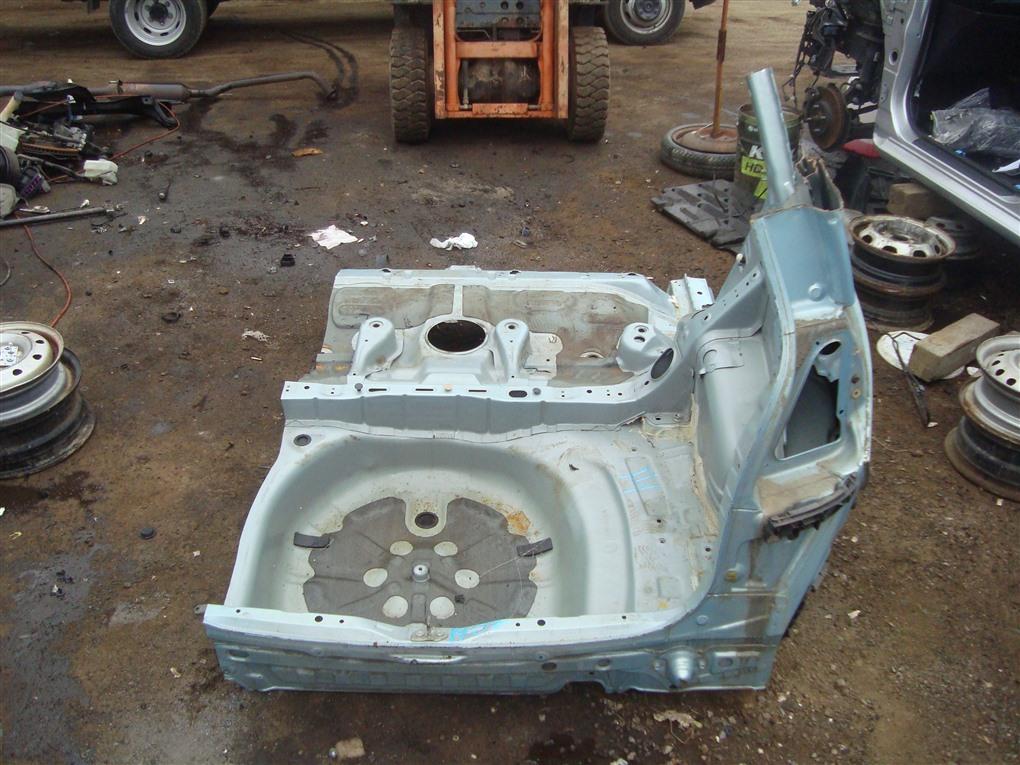 Тазик железный Toyota Corolla Spacio ZZE122N 1ZZ-FE 2004 голубой 761 1407