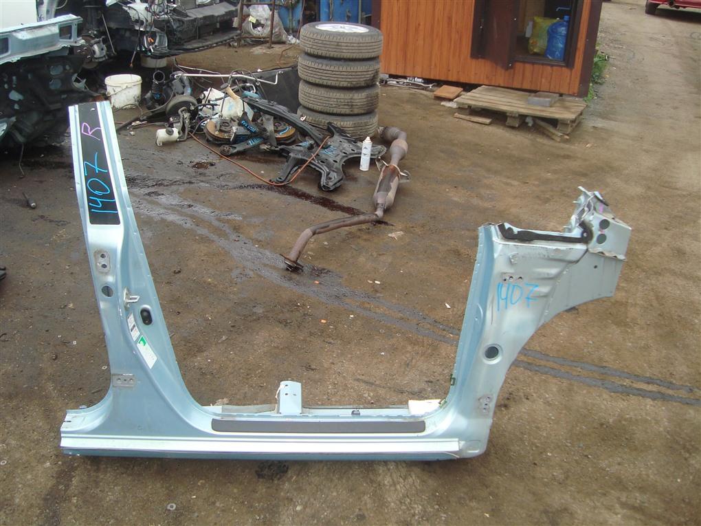 Порог кузова Toyota Corolla Spacio ZZE122N 1ZZ-FE 2004 правый голубой 761 1407
