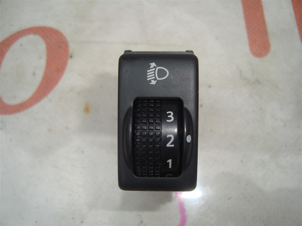Кнопка Nissan X-Trail PNT30 SR20VET 2004 1402