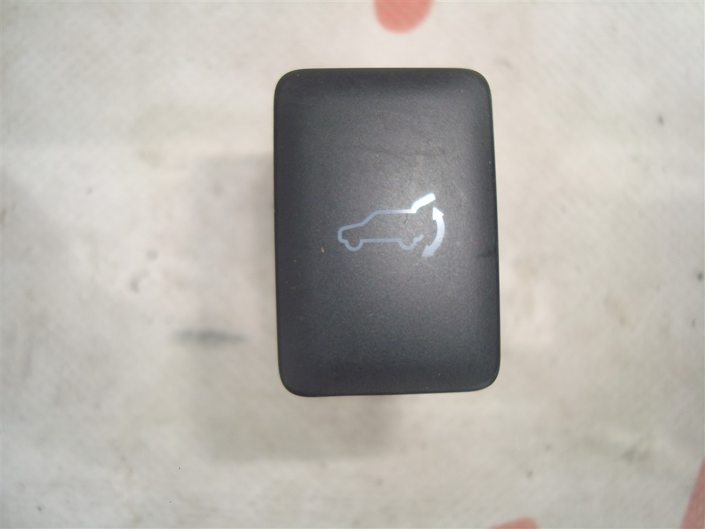 Кнопка Mitsubishi Outlander GF8W 4J12 2013 1408