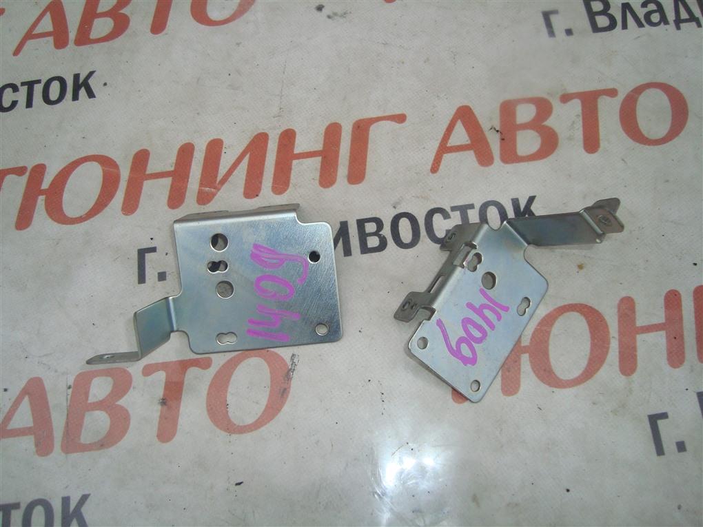 Крепление магнитофона Honda Fit GE8 L15A 2011 1409