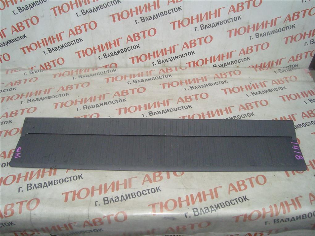 Накладка замка багажника Toyota Land Cruiser VDJ200 1VD-FTV 2008 1418