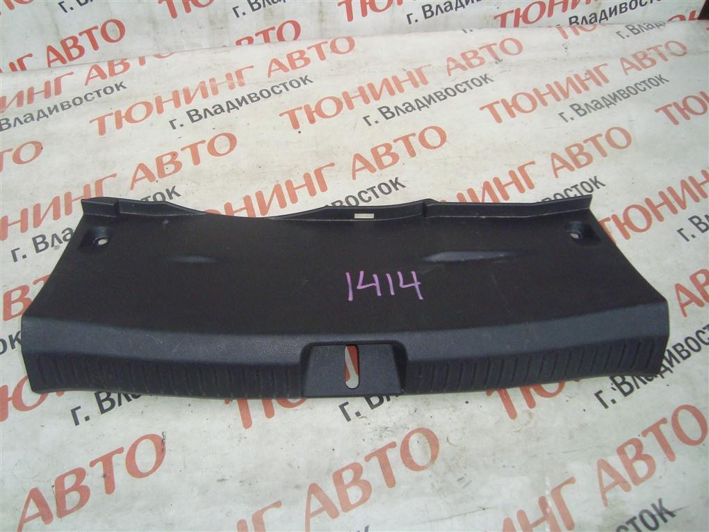Накладка замка багажника Mazda Demio DE5FS ZY-VE 2007 1414
