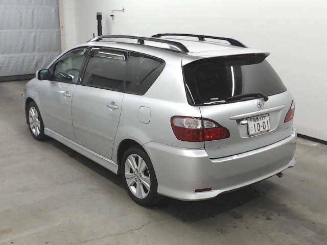 Автомобиль TOYOTA IPSUM ACM21W, ACM26W 2AZ-FE 2004 года в разбор
