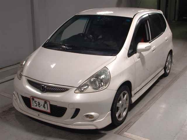 Автомобиль HONDA FIT GD3 L15A 2005 года в разбор