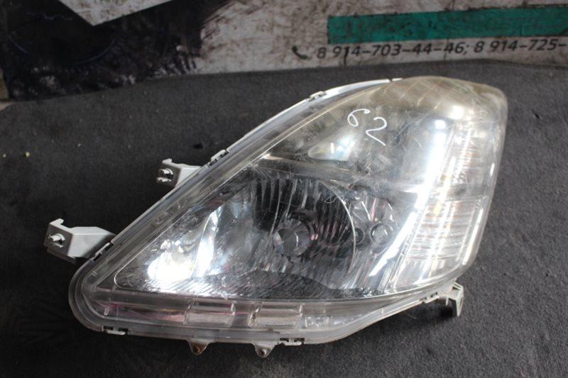 Фара Toyota Isis ANM10 передняя левая
