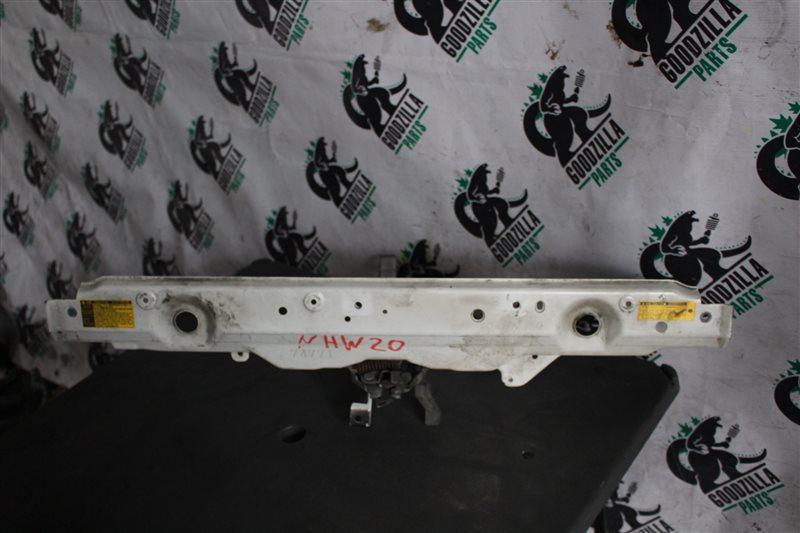 Планка телевизора Toyota Prius NHW20 верхняя