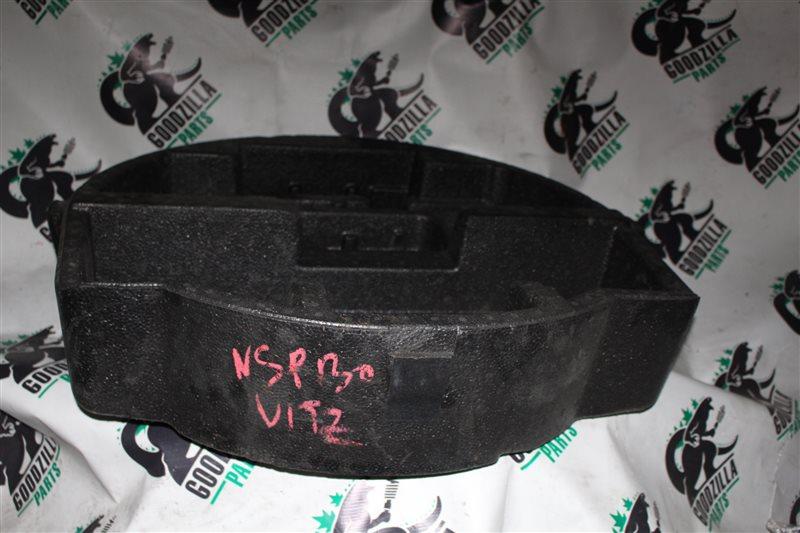 Обшивка багажника Toyota Vitz NSP130 задняя