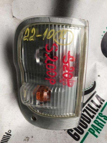 Габарит Daihatsu Hijet S200P передний правый
