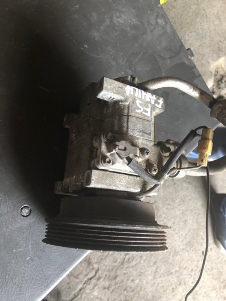 Компрессор кондиционера Mazda Familia FS