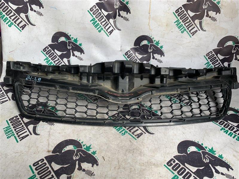 Решетка радиатора Toyota Vitz NCP131 передняя