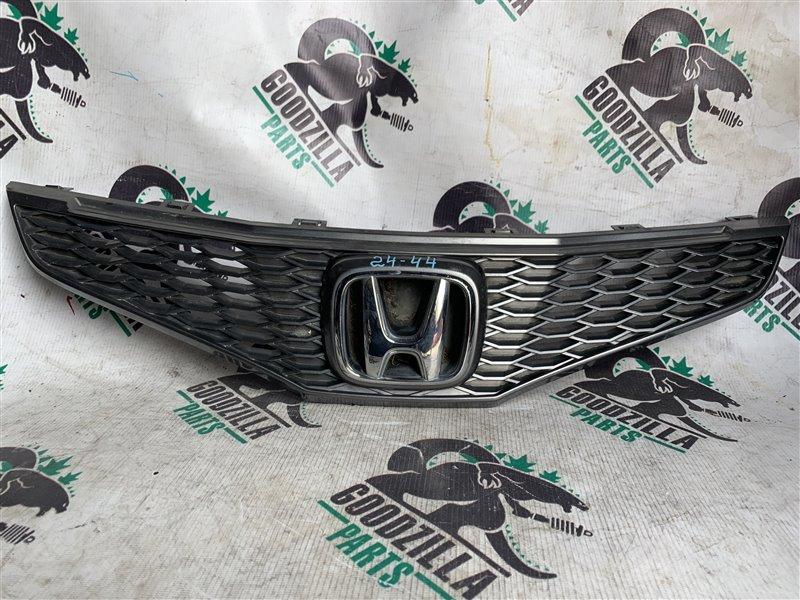 Решетка радиатора Honda Fit GE6 передняя