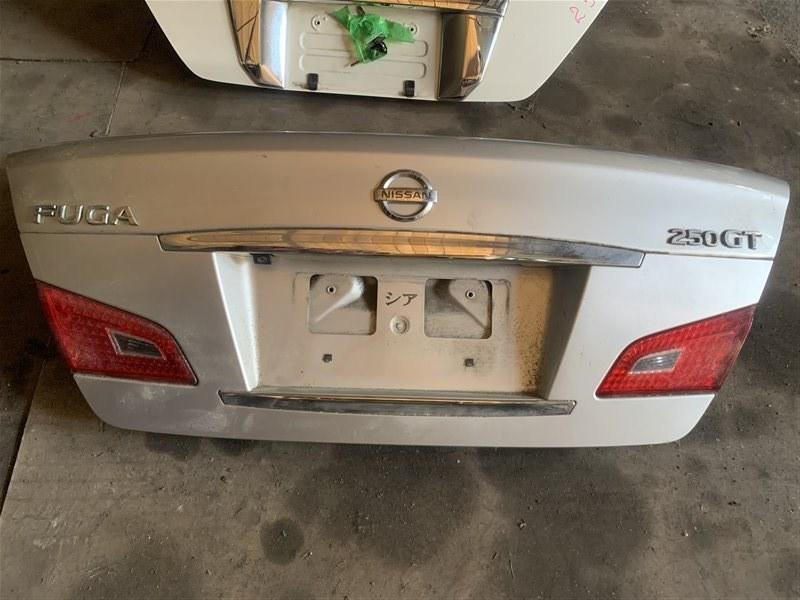 Крышка багажника Nissan Fuga Y50 2008 задняя