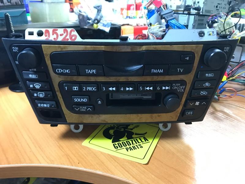 Магнитофон Nissan передний