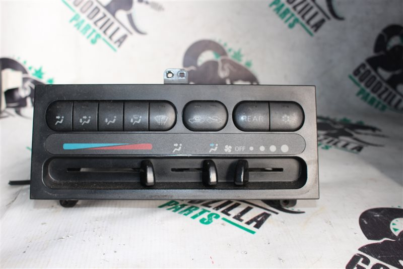 Блок управления климат-контролем Mitsubishi Delica PE8W передний