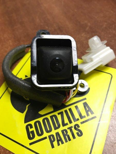 Камера заднего вида задняя