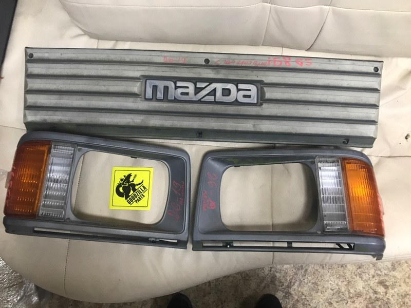 Габарит Mazda Bongo SD89T передний