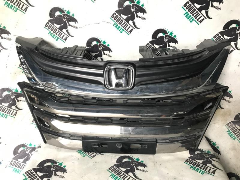 Решетка радиатора Honda передняя