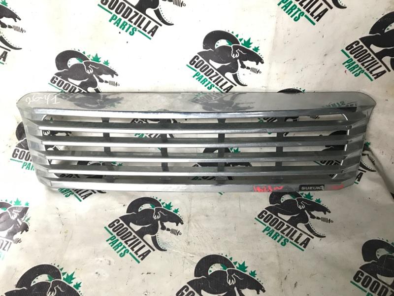 Решетка радиатора Suzuki Jimny JB23W передняя