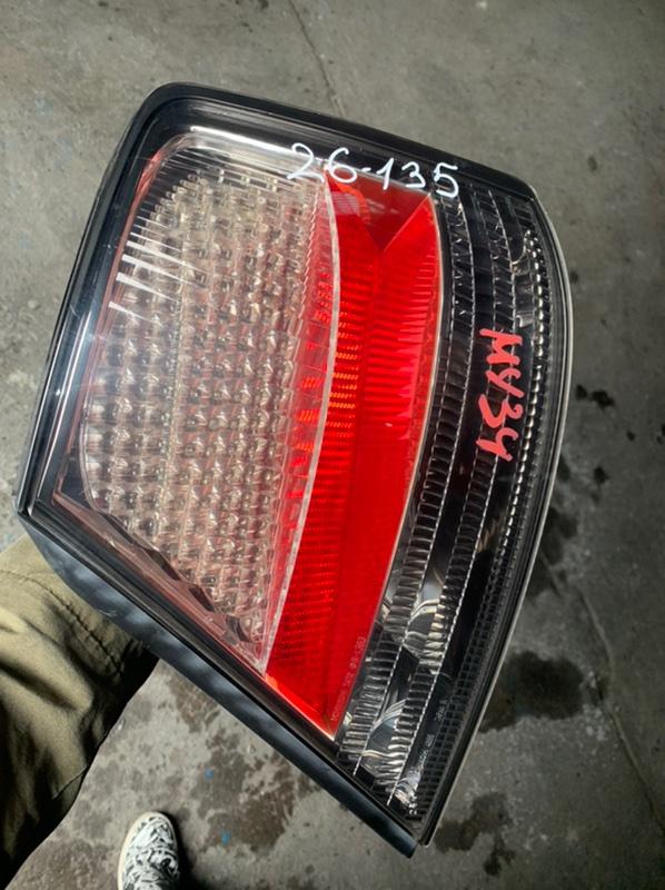 Стоп-сигнал Nissan Gloria HY34 задний правый