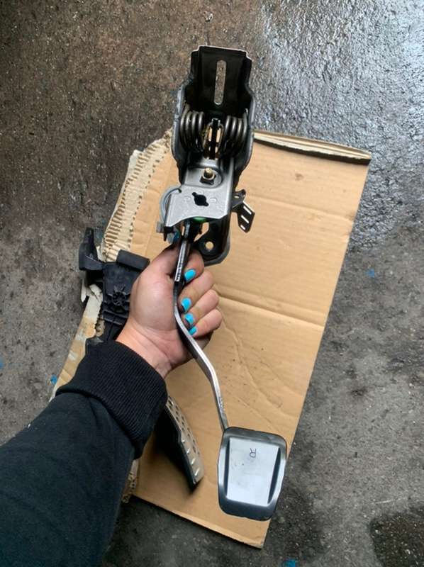 Педаль Mazda Rx8 SE3P передняя