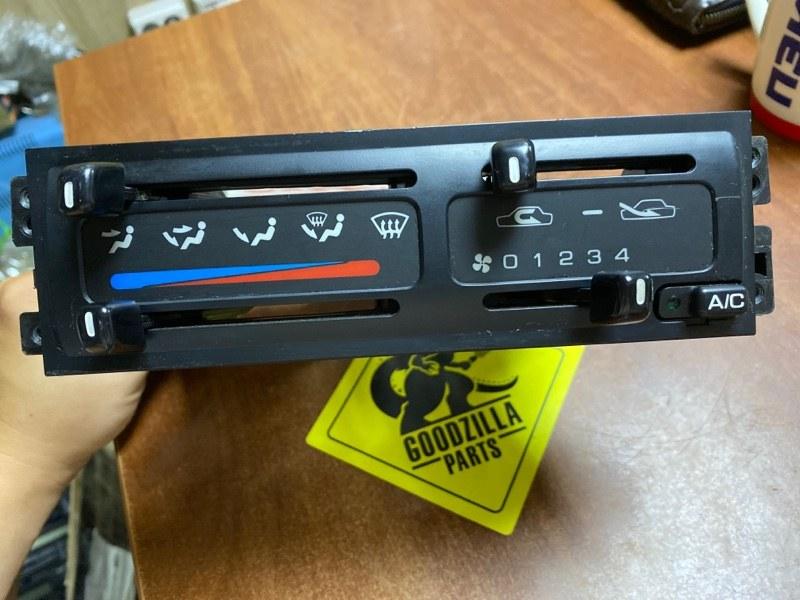Блок управления климат-контролем Nissan Avenir VENW10 GA16DS 1997 передний