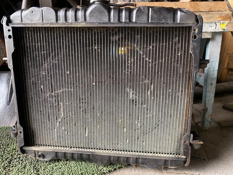 Радиатор основной Nissan Atlas F22 TD27 передний