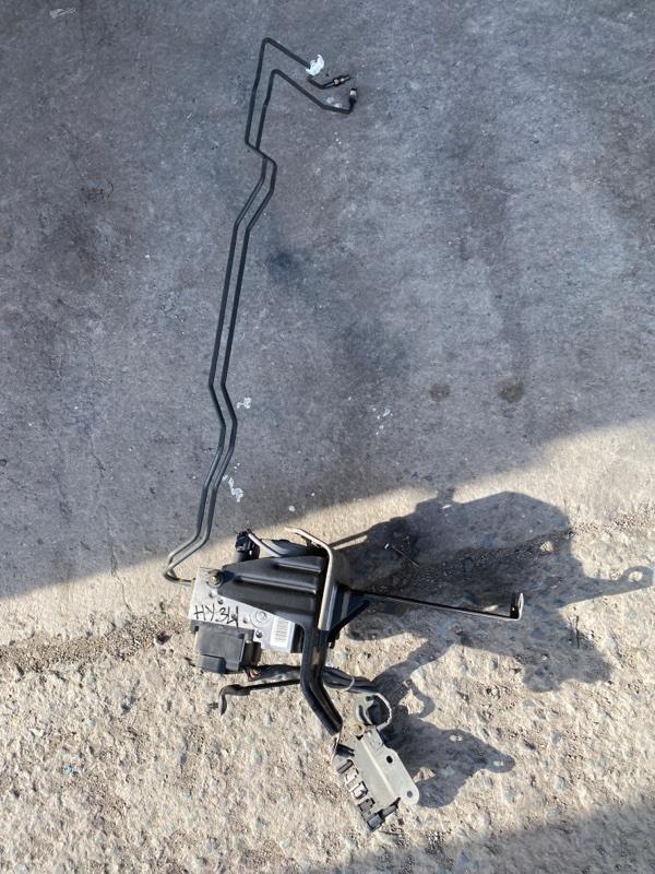 Блок управления abs Nissan Gloria HY34 VQ30DET 2002