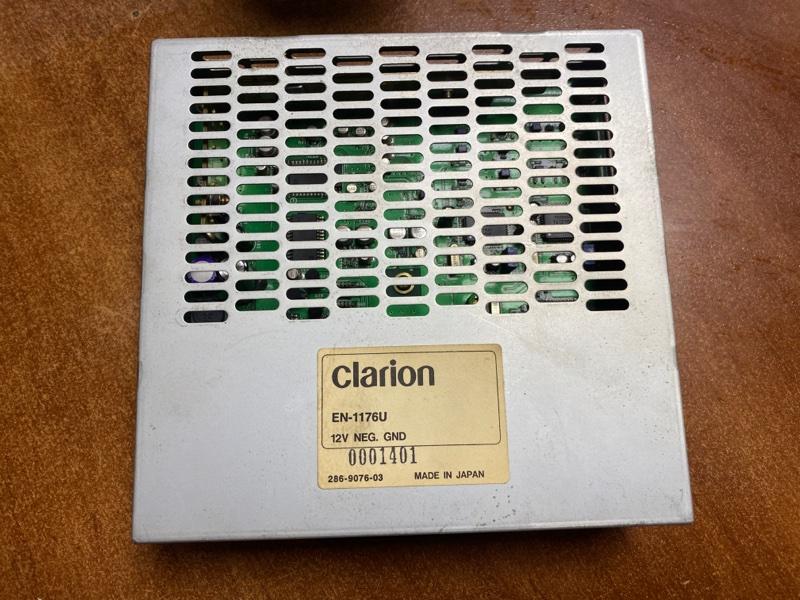 Блок монитора Nissan Gloria HY34