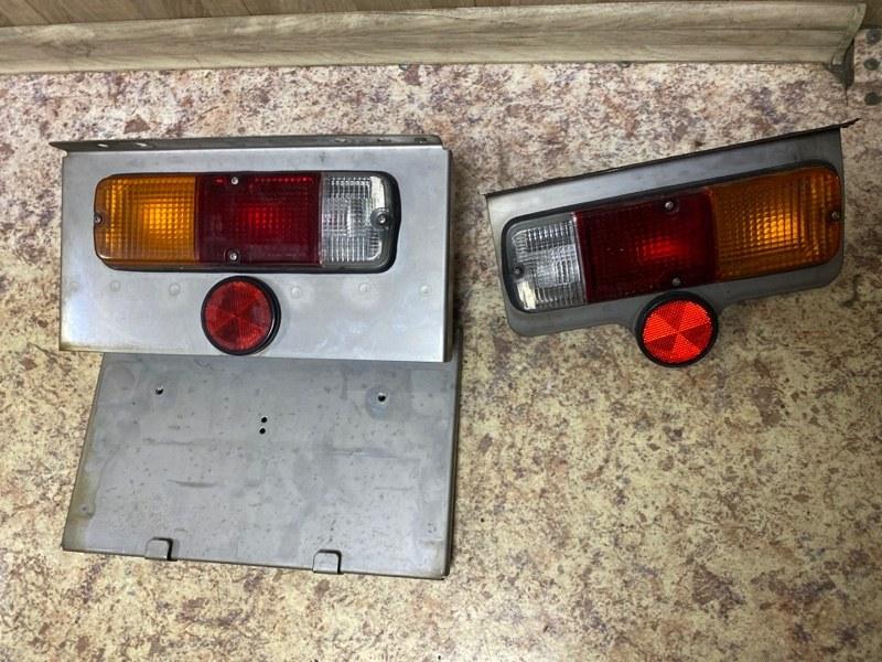 Стоп сигналы Toyota Toyoace TRY220 задний